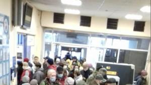 Самарцы жалуются на большую очередь в кассу речного вокзала