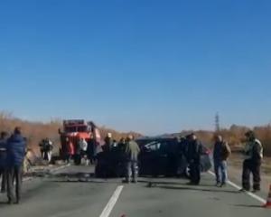 """Водитель автомобиля """"Hyundai Solaris"""" выехал на полосу встречного движения, где столкнулся савтомобилем """"Subaru""""."""