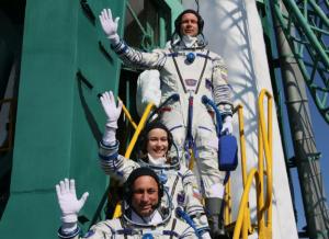 По его словам, режиссерКлим Шипенкои актрисаЮлия Пересильд— не туристы наМеждународной космической станции.