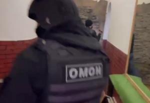 """Мероприятия проводились при силовой поддержке бойцов """"ОМОН"""" ."""