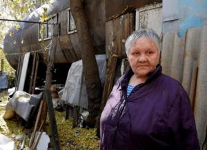 Женщина трудилась крановщицей на военном заводе и ожидала очереди на жилье.