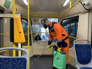 Единый оператор электронного проездного «Объединенная транспортная карта» временно ограничивает действие пластиковых карт для пользователей 65+