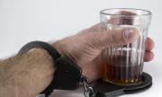 В Оренбуржьеполицейские задержала двух женщин, причастных к сбыту суррогатного алкоголя