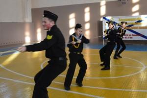 В Тольятти Росгвардейцы провели соревнования среди подшефных воспитанников и учеников школы Призеры были награждены почетными грамотами.