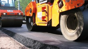 Стало известно, какие дороги будут отремонтированы в Самаре в 2018 году  На ремонт дорог в 2018 году Самарская область получит 3,6 млрд рублей.