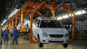 Решение принято из-за назначения нынешнего главы концерна Николя Мора руководителем регионального подразделения Renault.