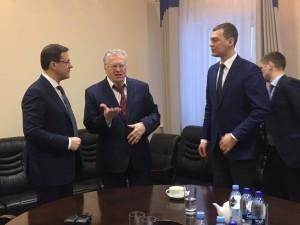 Дмитрий Азаров встретился с Владимиром Жириновским Лидер ЛДПР первую половину четверга проводит в Самаре.