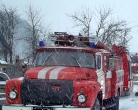 В Чапаевске горела крыша станции техобслуживания
