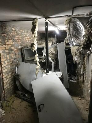 На место ЧП срочно выехали 15 машин спецтехники и 51 человек личного состава.