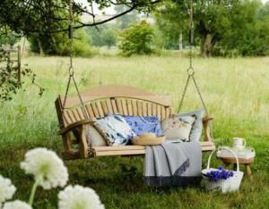 Как выбрать садовые качели