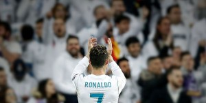 Португальский нападающий Криштиану Роналду подписал контракт с «Ювентусом». «Реал» согласился отпустить футболиста.