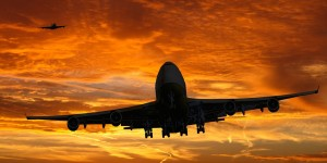 По словам эксперта, курс валют по ЦБ используется авиакомпаниями для расчёта цен на перелёты.