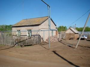 Житель Сергиевского района ударил женщину в лицо деревянным бруском и угрожал убить Потерпевшая побежала за помощью к дочери.