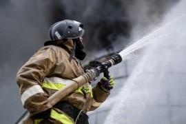 На ул. Георгия Димитрова в Самаре ночью горели два торговых павильона