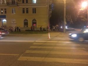 На пр. Металлургов в Самаре автомобилист сбил 18-летнего молодого человека Пешеход попал в больницу.